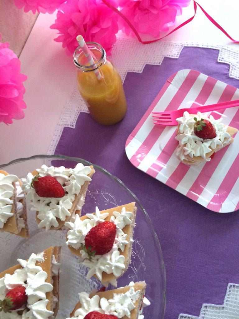 Sponge cake, con fragola e panna