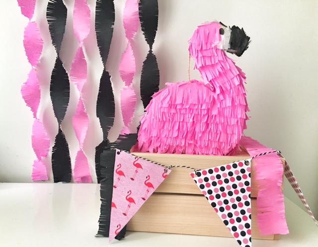 fenicottero rosa e banner