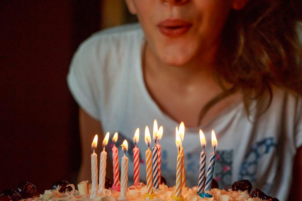 Torta e candeline per un compleanno di tutto rispetto